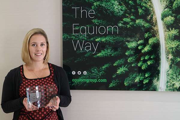 Jessica Wallbridge with her 2019 eprivateclient Top 35 Under 35 award